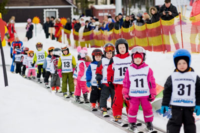 Обучение детей 2-4 лет горным лыжам