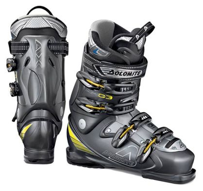 кроссовки лакост.  Зачастую изюминкой такой обуви является каблук.